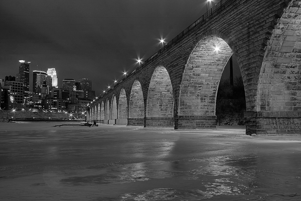 Stone Arch Bridge Black and White sab_004