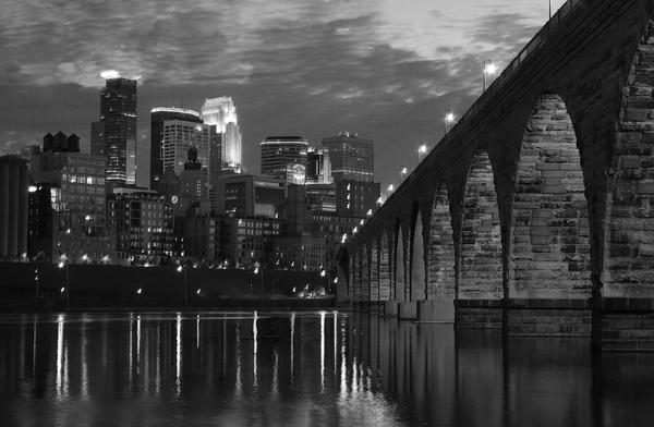 Classic Arch Bridge BW sab_006